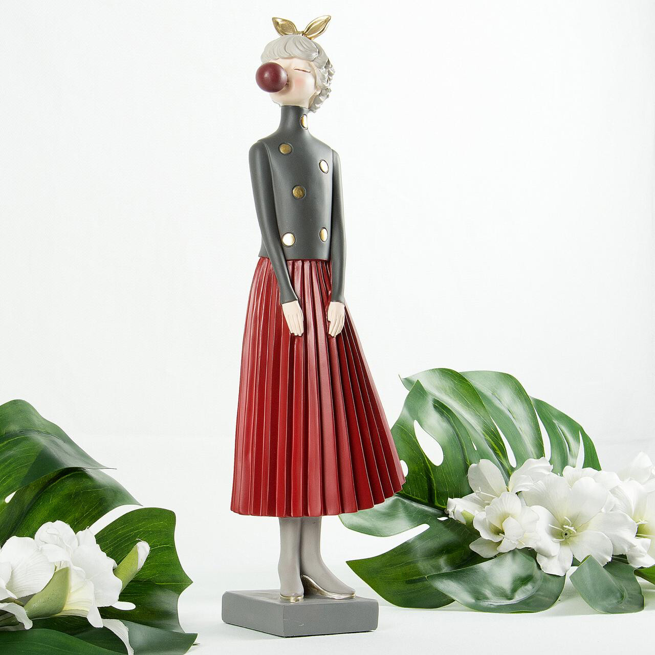 Red Skirt Lady Sculpture - Cool Ornaments