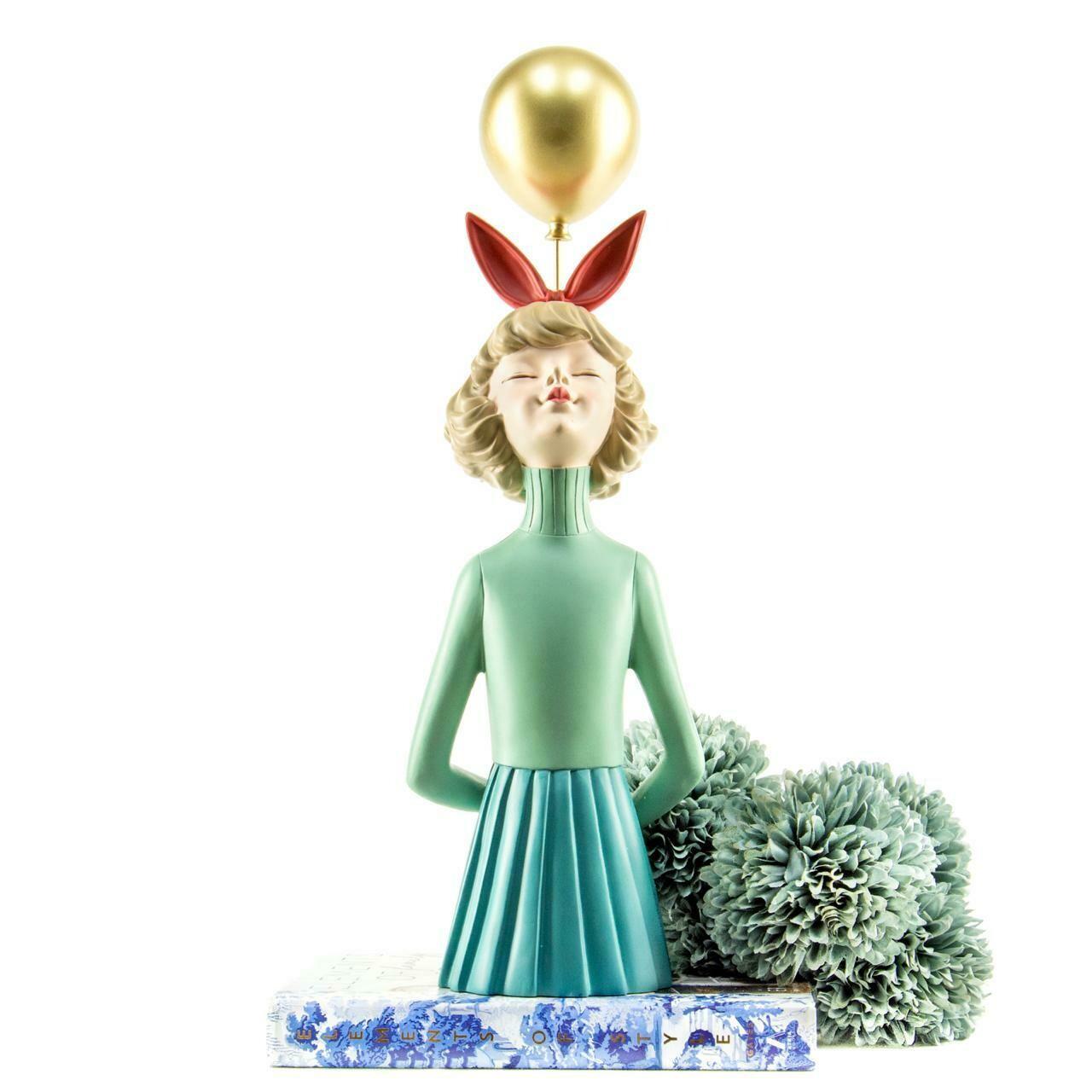 Golden Balloon Girl Sculpture - Cool Ornaments