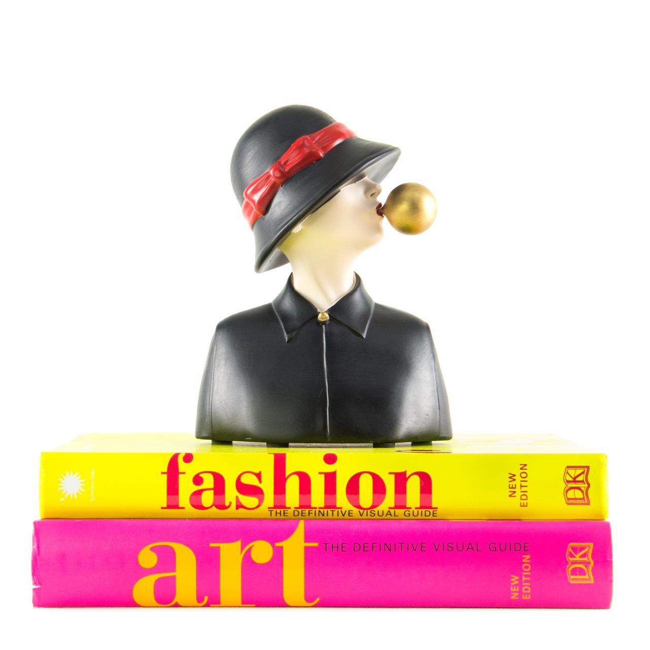 Black Hat Girl Sculpture - Cool Ornaments