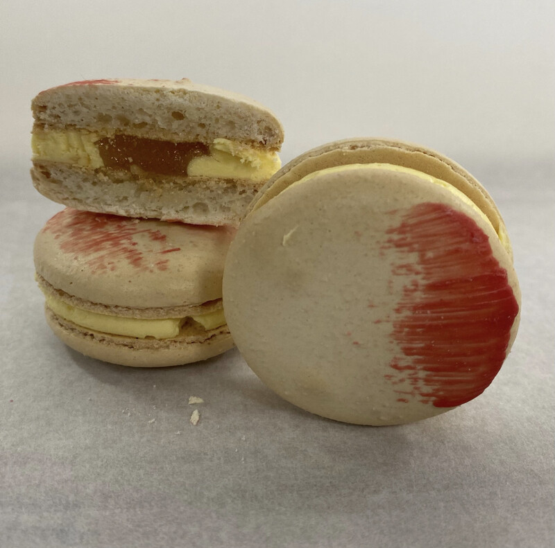 35 Each Champagne Passion Macaron