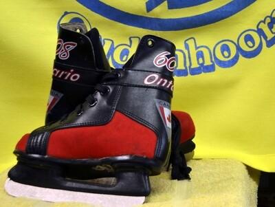 Hockey/H Maat 32  Zwart/Rood