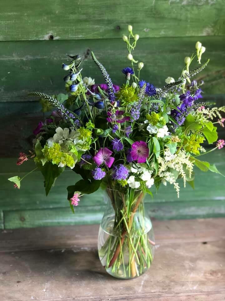 Fresh flower bouquet (Smaller)
