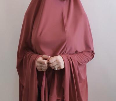 Jilbab In Merlot