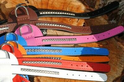 Y- Ledergeschirr mit Nietenreihen verziert