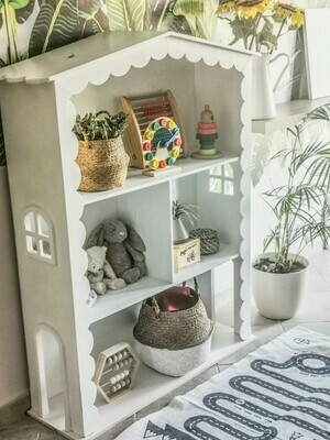 Townhouse: Dolls House/Storage unit