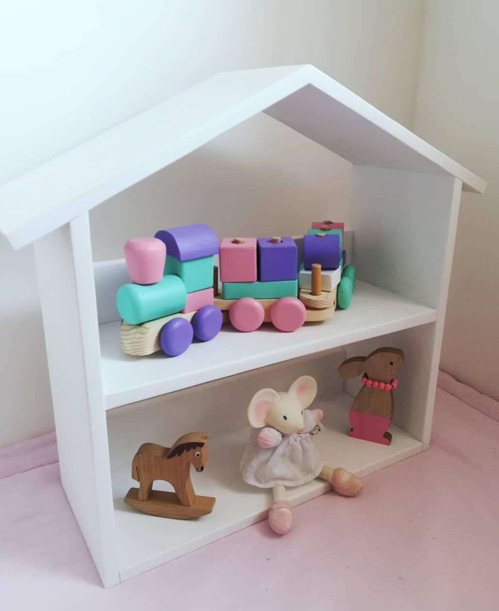 Lara: Dolls House/Storage unit