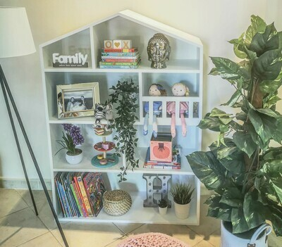 Sharon: Dolls House/Storage unit