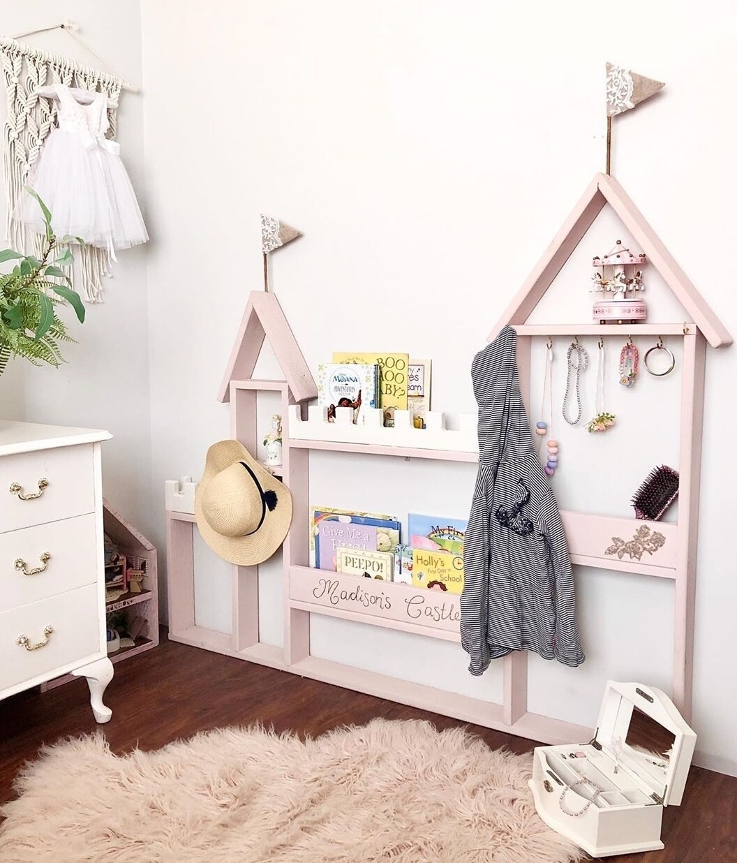 Princess Castel Wall Book and Storage Shelf - Personlized