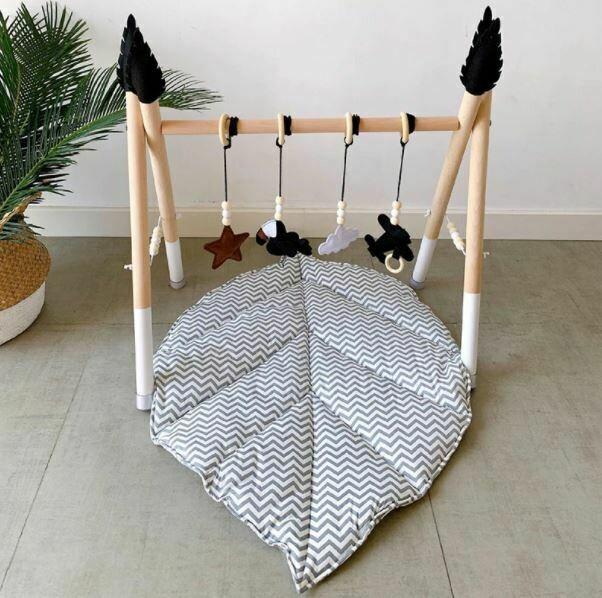 Nordic Leaf Cotton Playmat - Grey & White Chevron