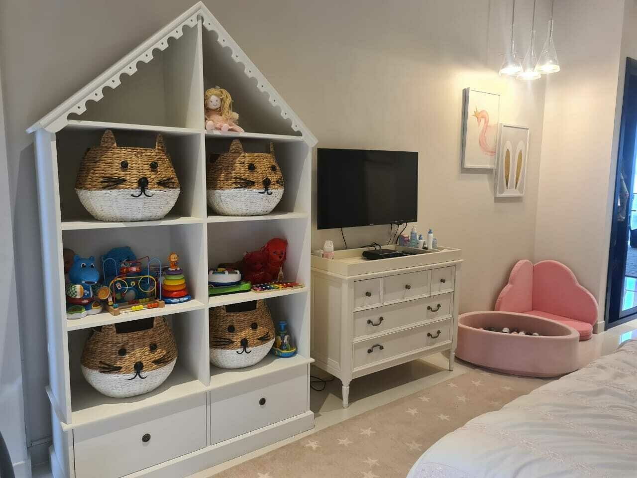 Kegan: Dolls House/Storage unit