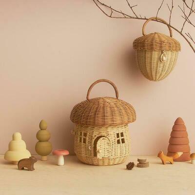 Acorn Basket Bag