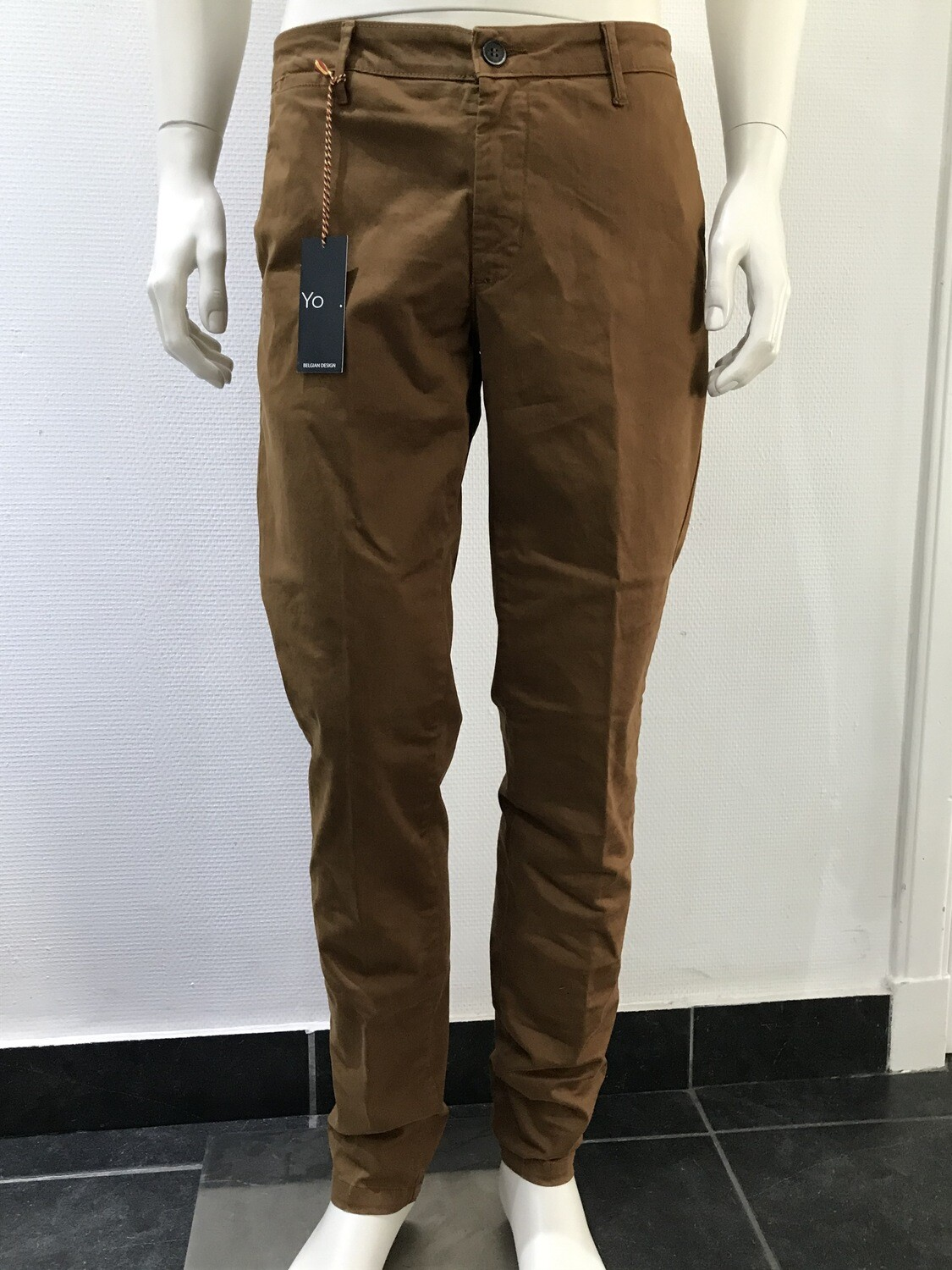 Chino solid, camel