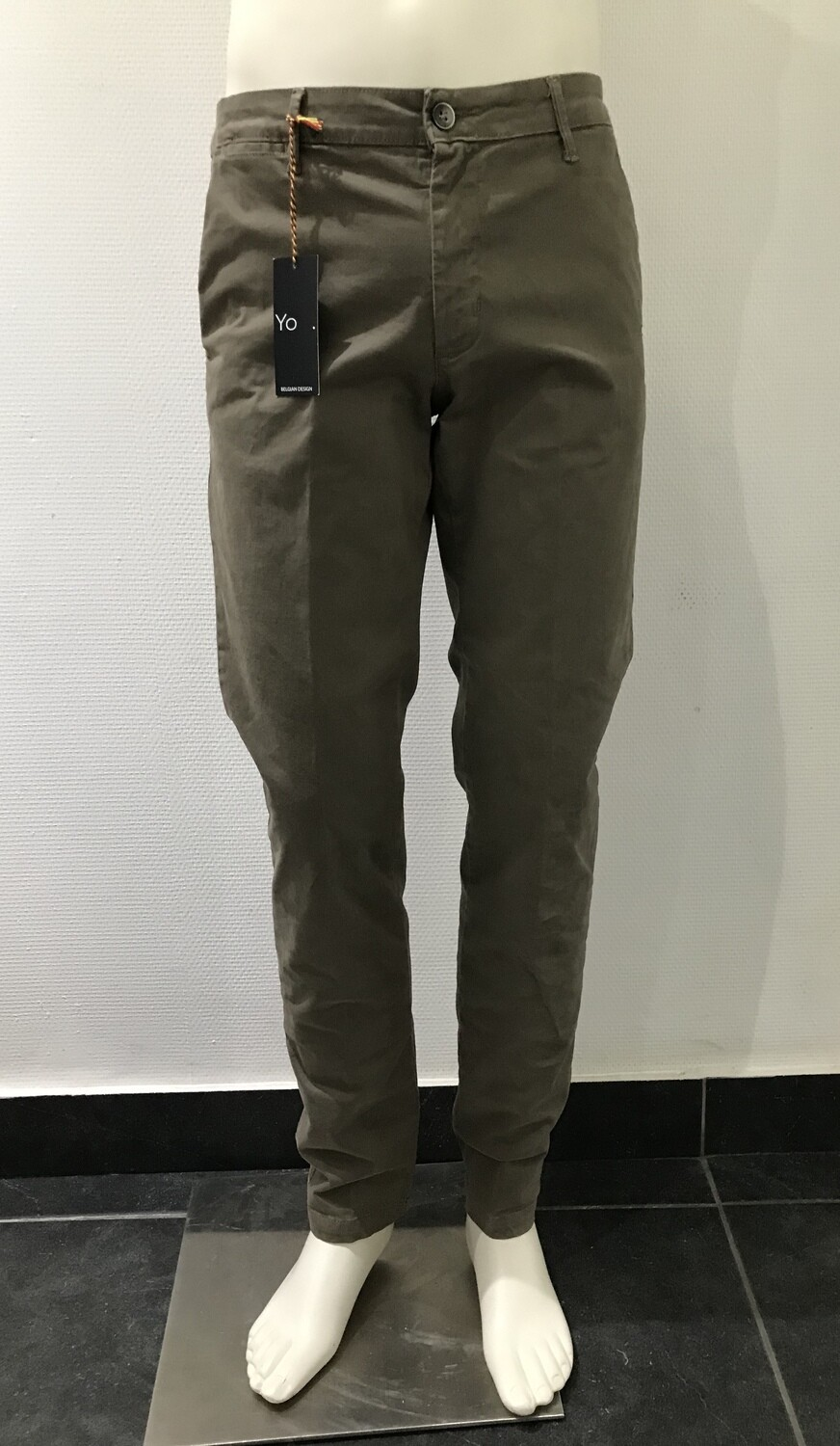 Chino, solid, sand