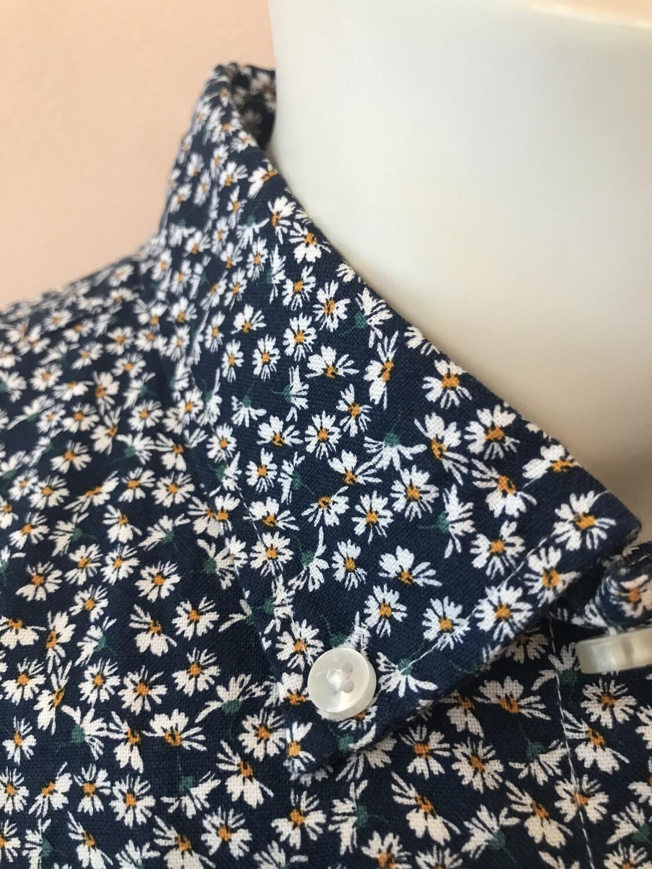 Shirt, L/S, small flower, camel