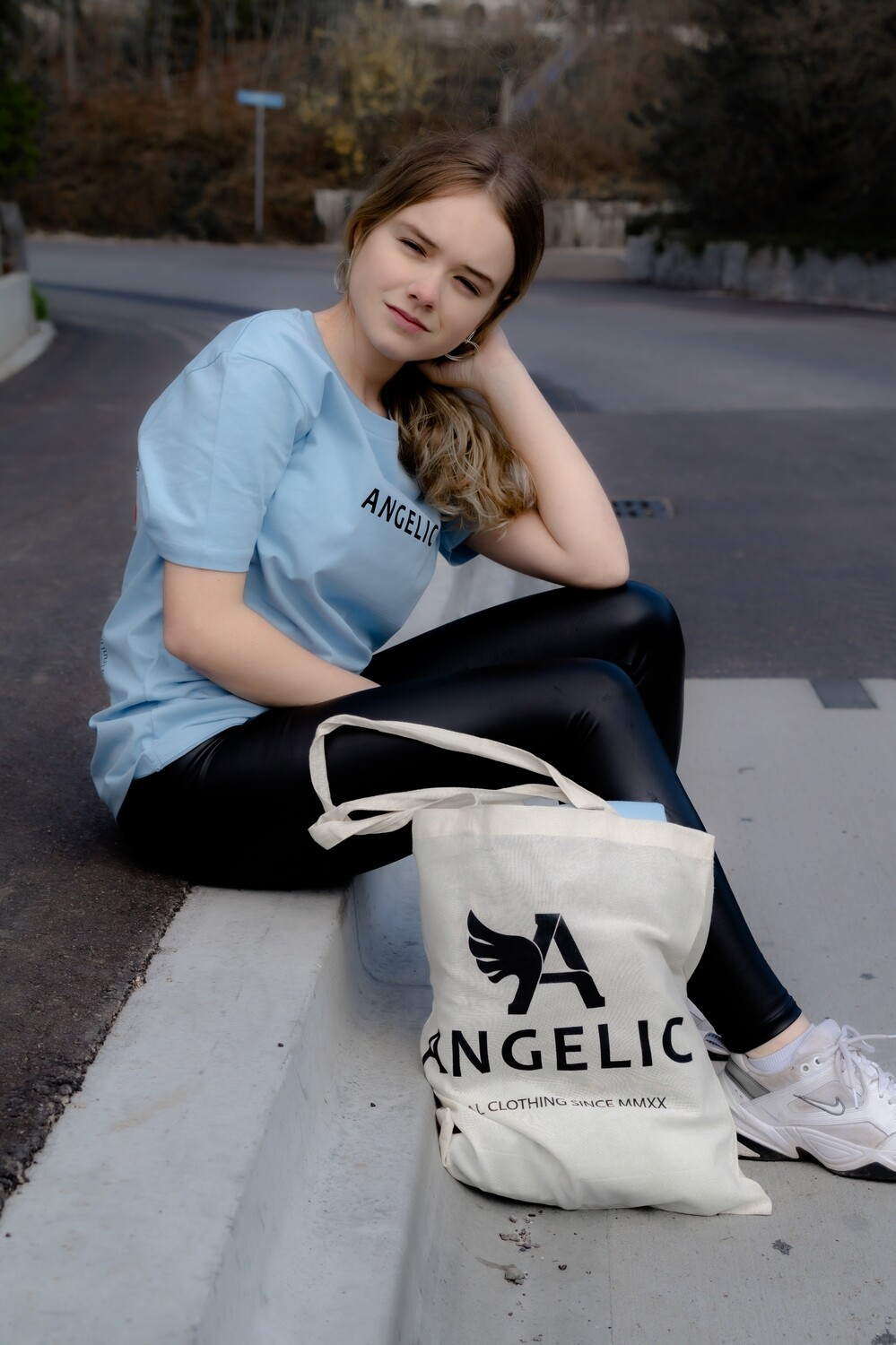 ANGELIC T-Shirt blau, YOU ARE NOT ALONE - UNISEX.
