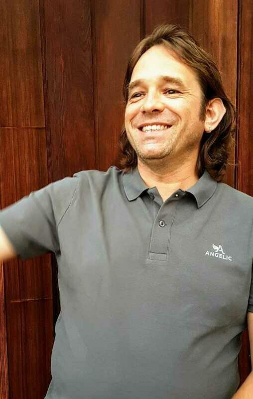 ANGELIC Polo-Shirt dunkelgrau, gesticktes Logo - UNISEX. Organic + Fairwear