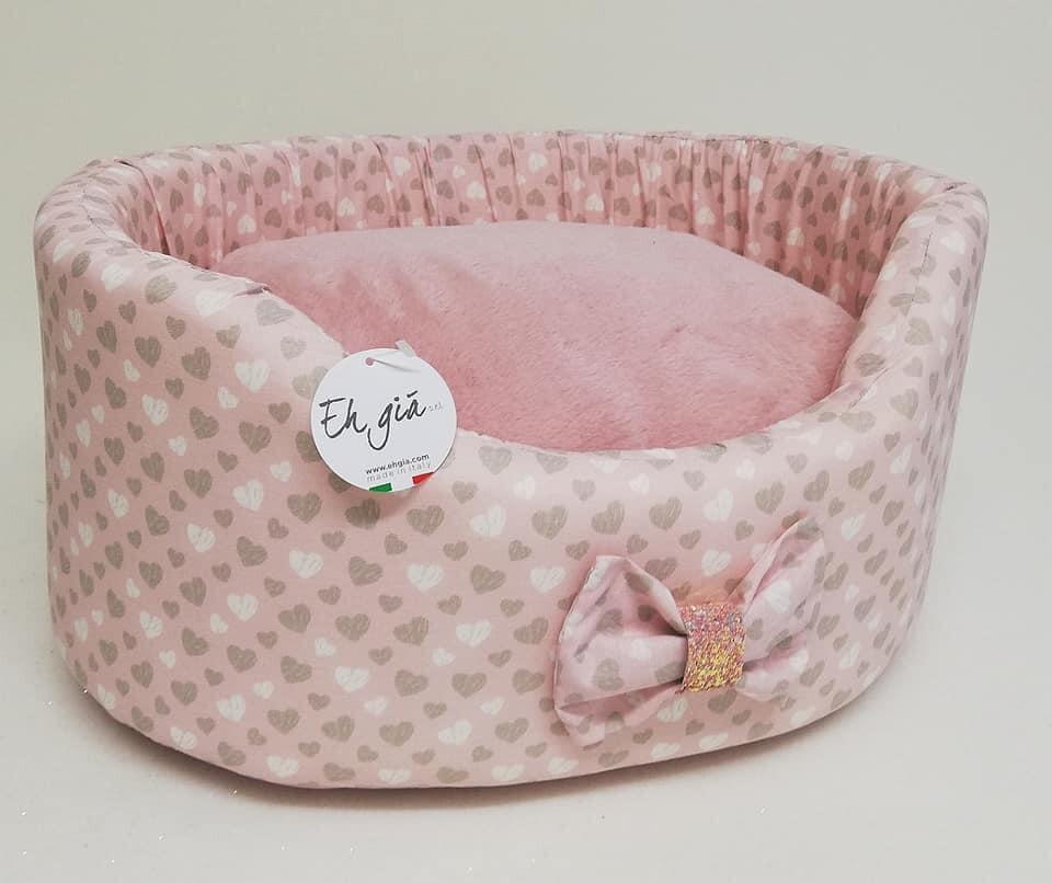 Candy Sofa pink hearts