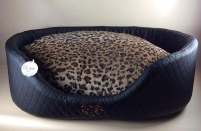 Round bed black leopard 89x65