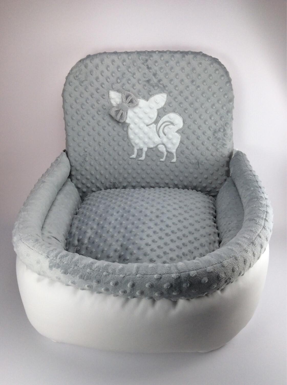 Autostoel wit/grijs met Chihuahua groot