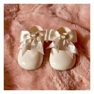 Cream Bow & Diamante