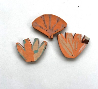 Bushes, crests tails in orange - 40 x 35 x 4mm
