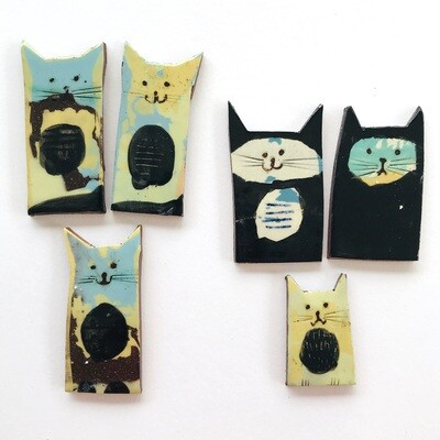 Lucky black cats, sets of 3  60 x 40 x 4mm (varies)