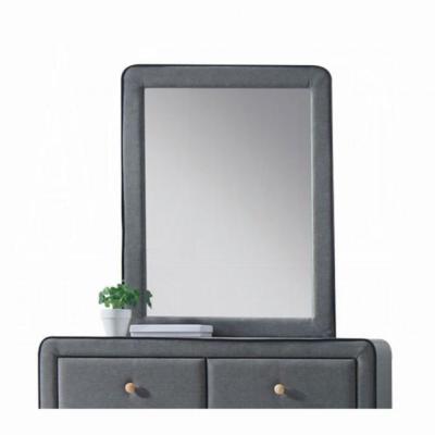 Valda Mirror