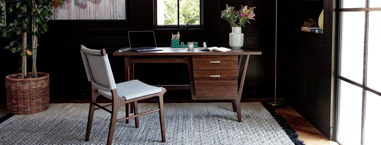 JB Xavier Apartment Desk 1850