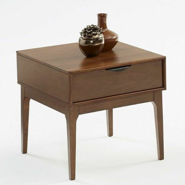 Mid-Mod End Table in Cinnamon - T106-04