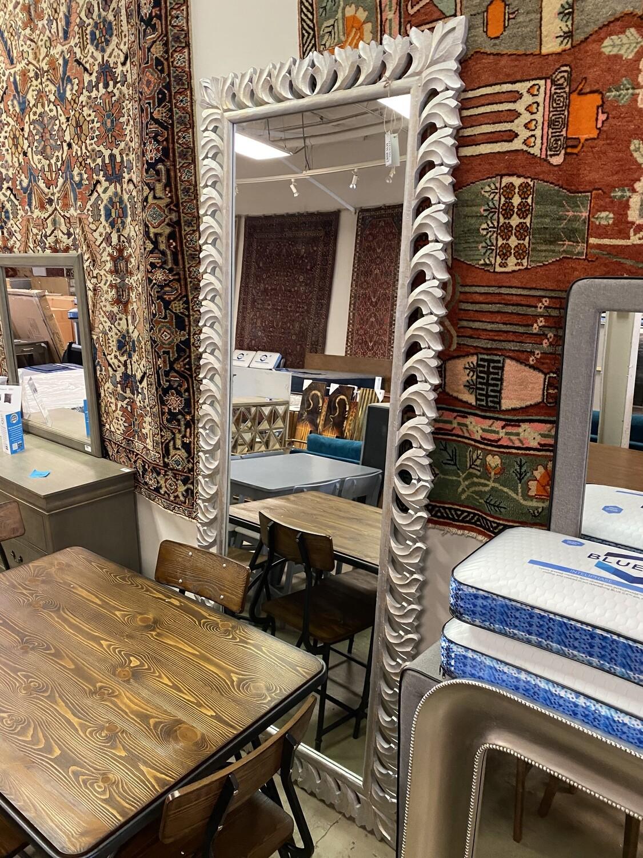 Bassett - Silver Floor-To-Ceiling Leaner Mirror