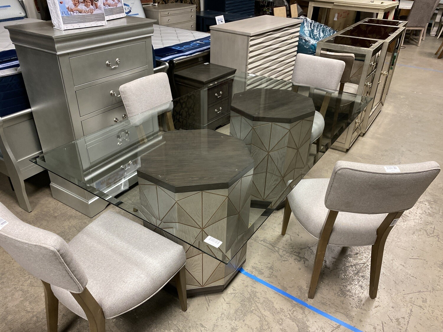 Bassett Mirror Co. - Glass Table with Base
