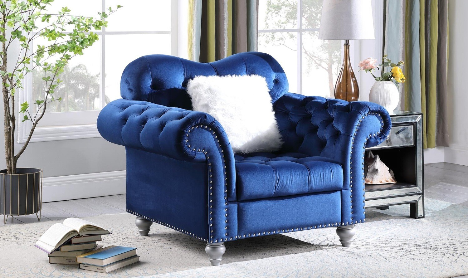 Nylah Blue Velvet Chair