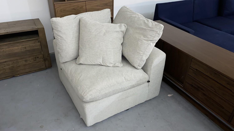JB Bryant 3-piece Sofa (Merit Dove) 1421
