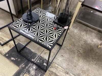 Rose Black & White Table