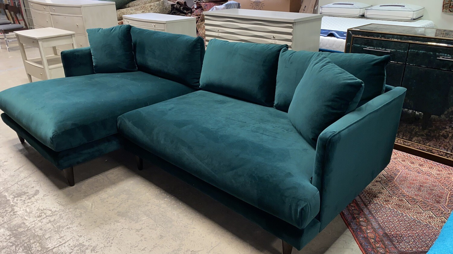 JB Lewis Sectional (Royale Evergreen)  3981