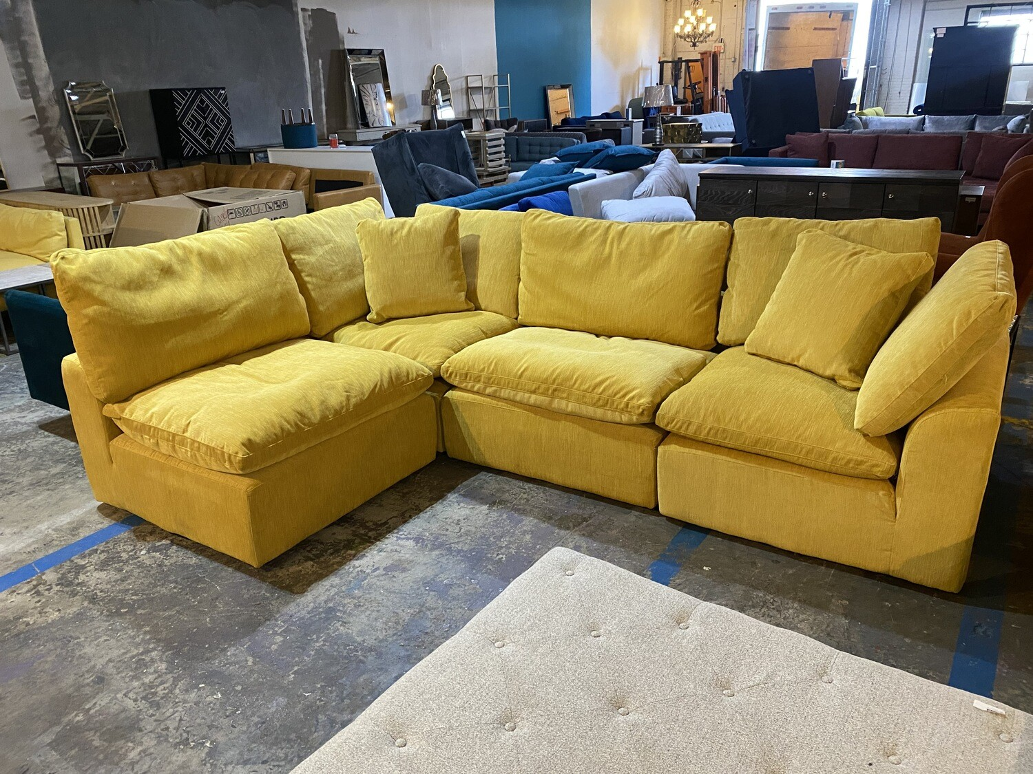 Bryant L-Sectional (4 piece) (Bentley Daisey)  5536