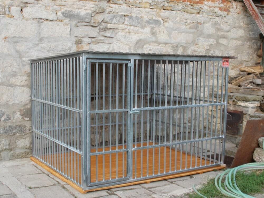 BOX FÜR HUNDE 3 × 2 m - Eigenproduktion