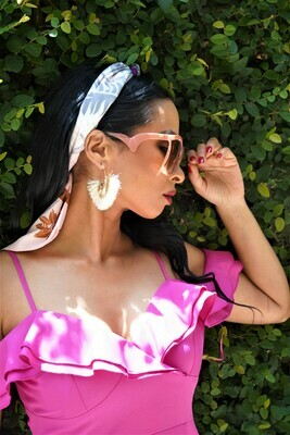 Oversized tint sunglasses