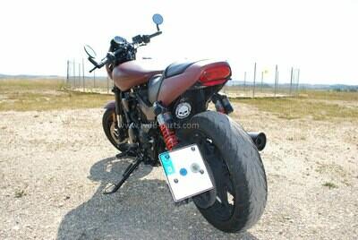 """Harley Davidson Street Rod XG 750 A - Heckumbau mit seitlichen Kennzeichenhalter (Fender Eliminator Kit) und Kellermann Blinker """"Atto Dark"""""""
