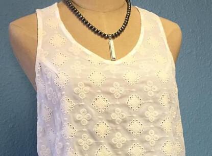Bar white turquoise pendant necklace