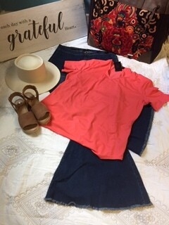 AAC-V-Neck Casual Style Top