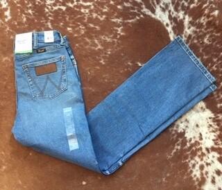 AAC - Wrangler Retro Slim Fit Boot Cut