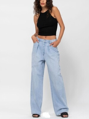 AAC - Not Your Mom's Mom Jeans