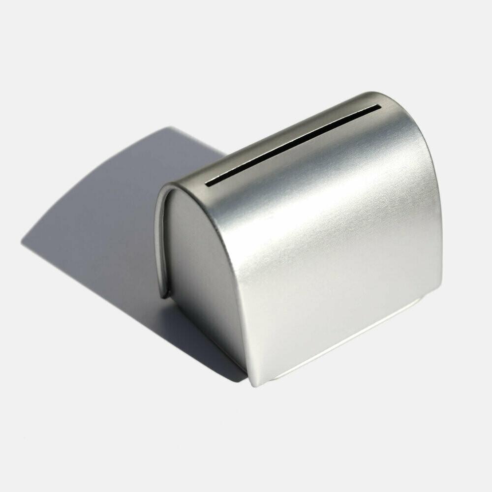 Kovinska škatlica za shranjevanje rezil