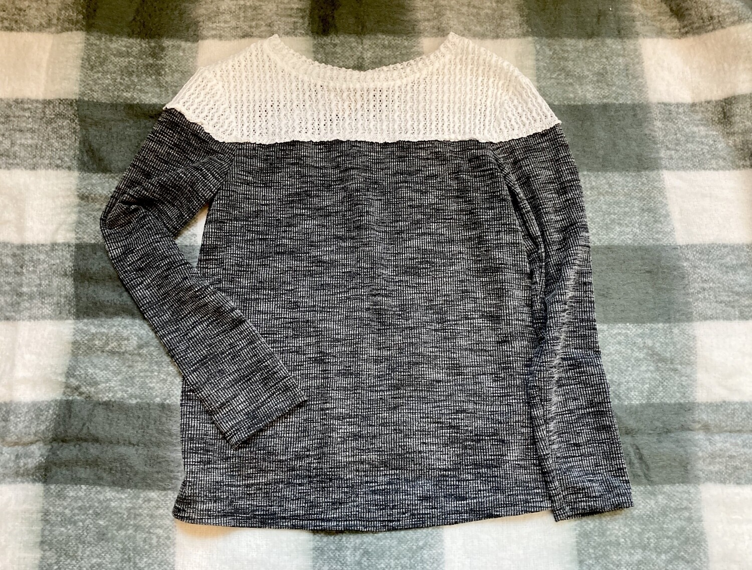 Crochet Hollow Out Color Block Long Sleeve Top