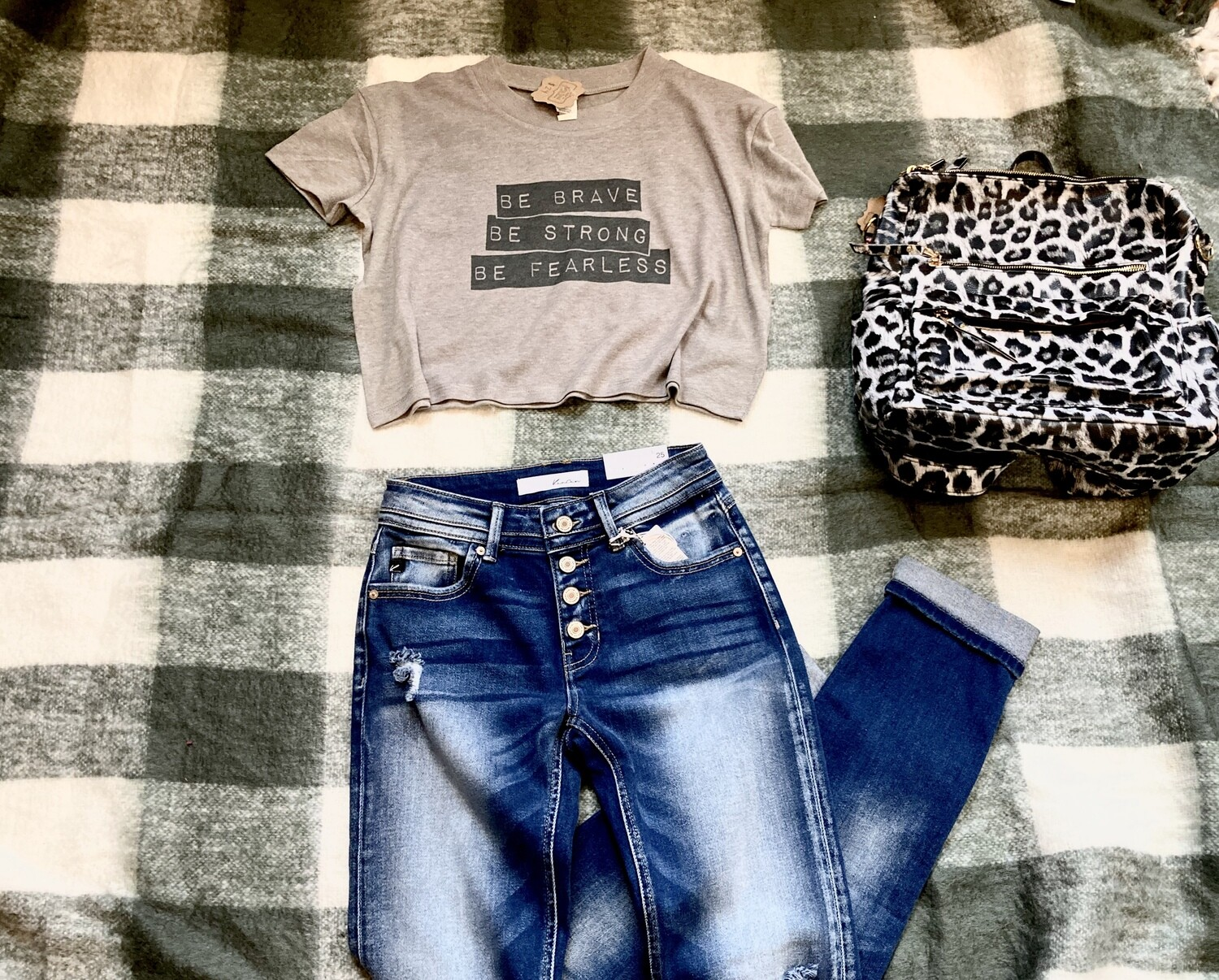 Be Brave Crop Graphic Tee