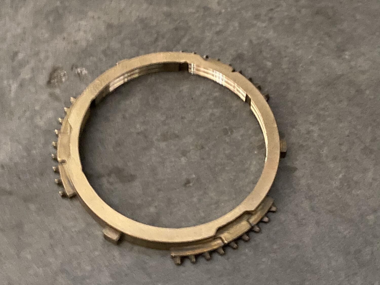 Кольцо блокирующие синхронизатора Фиат 3-ой передачи из трёх частей 235366. 9567437888