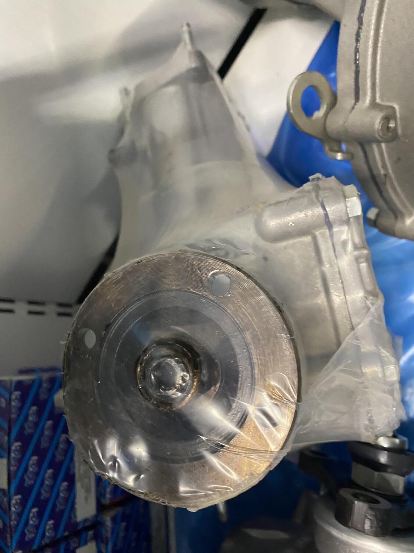 Редуктор передний 21213-2300012-10 нового образца ваз 24 шлица