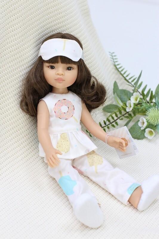 Кукла Мали с челкой и карими глазами в модной пижаме с тапочками, Паола Рейна , 34 см
