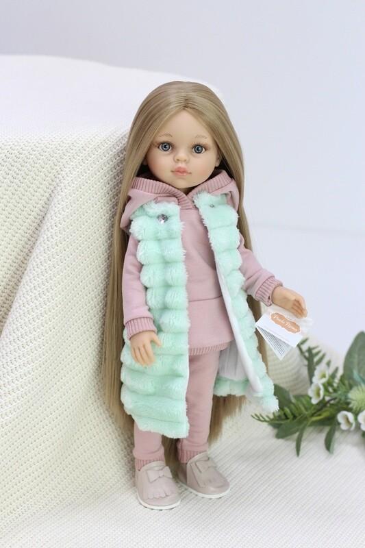 Кукла Карла Рапунцель с серо-голубыми глазами в модном костюме в комплекте с обувью и жилеткой, Паола Рейна , 34 см
